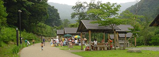 場 ほとり の 遊び場 キャンプ
